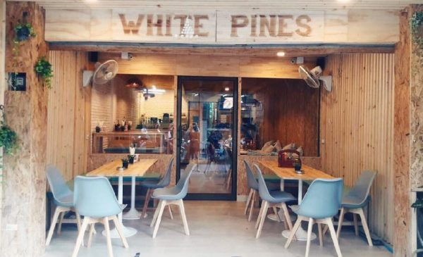 White Pines restaurant Pattaya